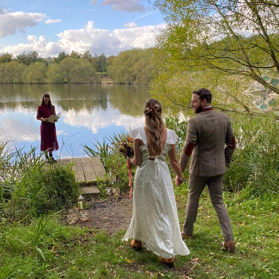 intimate Elopement wedding outdoors with a Celebrant at a reservoir